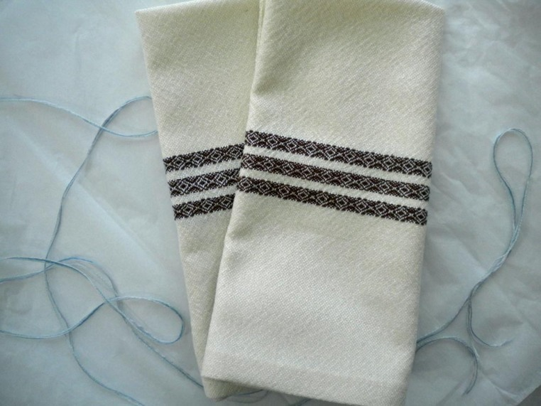 Classic Napkins in Cream and Brown