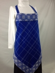 Royal Apron with White Opphämta Pattern