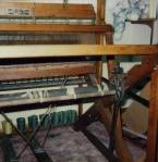 Counterbalance Union rug loom